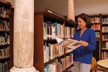 Cuatro décadas entre librosMARUJA ANDÚJAR